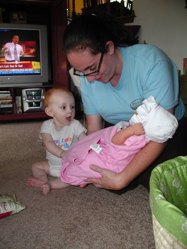 Molly meets Jake, look at what she's watching on TV at the time, Jim Cramer :)